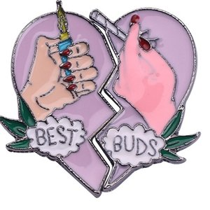 Wholesale 20pcs BEST BUDS Brooches Best Friends Enamel Lapel Pins Broken Heart Smoke Cigarette With Hand Hat Jewelry Accessories 623 Q2