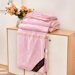 light luxury summer Comforters Unisex comfortable Fashion quilt high quality modern design Bedding sets