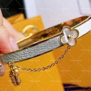 Classic Designer Bracelets For Women Flowers Lock Bracelet Ladies Bangle Fashion Street Jewelry Gift