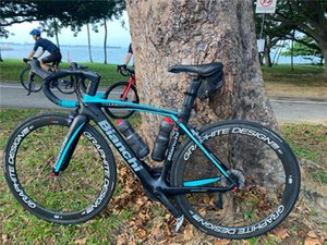 Black Bianchi XR4 Carbon Complete Road Bike Store Complete Bicycle Bike 50MM Wheelset Handlebar saddle