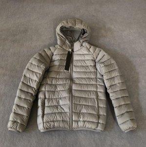 جديد مصمم الذكور معاطف الأزياء الشتاء سترة عالية الجودة الدافئة عارضة الشتاء سميكة مقنعين معطف شارة الرجال قمم الملابس