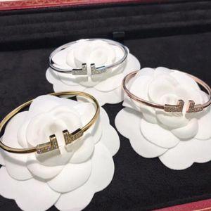 Designer jewelry 316L TiTitanium Classic Bangles Bracelets For Lover Fashion Wristband Wedding Bangle Rose Gold Thanksgiving Day Bracelet with box