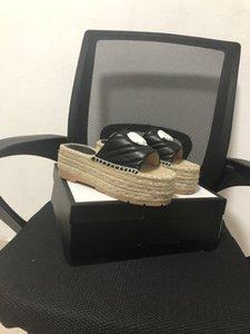 Женские заклепки лук узлы плоские тапочки сандалии девочки флип флопс шипованные летняя обувь прохладный пляж скользит желе
