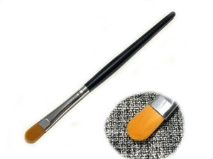 Good quality Wooden pole small concealer foundation Eye shadow beauty makeup brush Z003010
