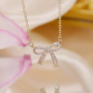 Romantic Charm Brilliant CZ Bowknot Lady Necklace 14k Real Gold Super Shining Zircon Clavicle Rope Charin Stylish Kolye Gift Chains