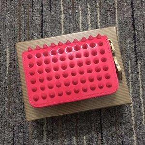 2021 Stil rote Untere Geldbörse Täfelte Spiked Clutch Frauen Patent echtes Leder Mischfarbe Nieten Tasche Kupplungen Dame Lange Geldbörsen mit Spikes Männer