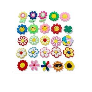 새로운 만화 꽃 PVC 고무 신발 매력 신발 액세서리 Clog Jibz 맞추기 손목 밴드 악어 단추 구두 장식 선물 HHC7641