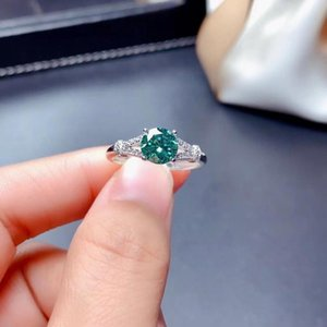 خواتم العنقودية 2021 خنق الأخضر مويسانيت الدائري للنساء مجوهرات الاشتباك الزفاف 925 الفضة هدية عيد الحب