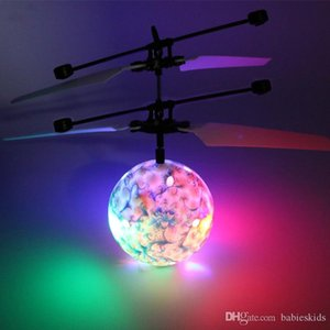 2018 New Design Sensor Aircraft Baby Flying Toy Ball Novelty Toys RC Levitated Intelligent Drone Helicopter Ball LED Lighting For Kids Gift