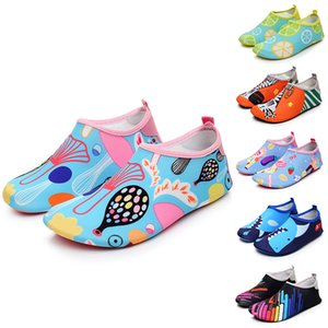 without Box 2021 Mens and Womens Beach Shoes for Summer Swimming Upstreaming Shoe Many Colors Breathable Cozy