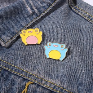 FROGGY Enamel Brooches Cartoon Cute Fun Pins Bades for Denim Clothes Bag Fashion Jewelry Christmas New Year Gift Kids Friends