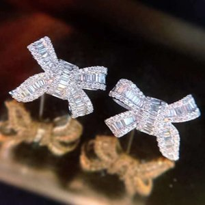 Custom Trend Jewelry Wedding Earings for Women 2021 Natural Diamond Setting Bow Shape 18K Gold Earring