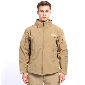 2020 best autumn and winter new jacket Add wool men and women outdoor clothing soft shell fleece jacket shark skin soft shell jacket