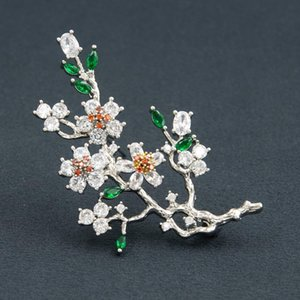 Elegant plum blossom flower cubic zirconia brooches pin lady scarf buckle wedding jewelry accessory for women