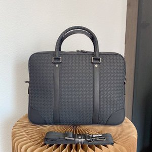 Man Woven Briefcases High Quality Laptop Message Bag Designer Bags Gentleman Shoulder Crossbody Handbags with Letters
