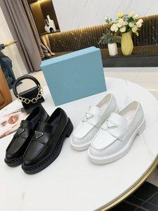 2021 Designer de luxe Femmes Casual Chaussures Casual Rétro Mocassins en cuir brillant Zigzag en caoutchouc gaufré à 5 cm Soleil intégré Soleil Strap Mode avec boîte taille 35-40