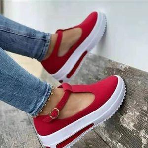 2021 New Women Slipper Fashion Big Gold Chain Sandals Shoes Round Toe Slip on Mules Flat Heel Casual Slides Sandalias De Mujer