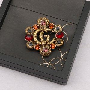 Ünlü Tasarım Altın G Marka Lüks Desinger Broş Vintage Kadınlar Rhinestone Mektubu Broşlar Takım Elbise Pin Moda Takı Giyim Dekorasyon Yüksek Kalite Aksesuarları