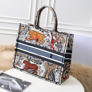 Ladies' bag(colorful tiger shopping bags) high-end customized quality , celebrities must have classic fashion, business and leisure style(1:1)