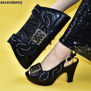 حقيبة وحذاء مجموعة السيدات السود الأحذية الإيطالية مزينة مع حجر الراين أزياء المرأة مضخات الزفاف