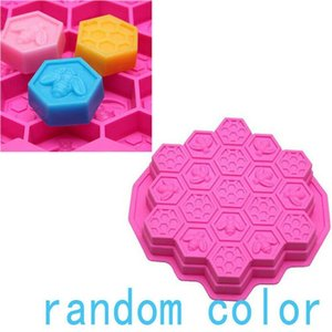 19 Cell Silicone Bee Honeycomb Cake Chocolate Cookie Soap Candle Mold Mould for Microwave Oven Bakeware XKZE