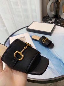 패션 여성 캐주얼 샌들 여름 양모 가죽 해변 신발 여성 엿봄 발가락 슬리퍼 금속 고품질 여자 슬리퍼 G33023