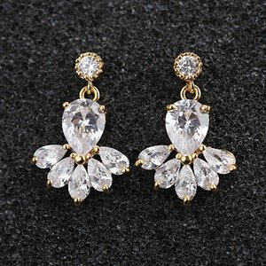 Vintage Crystal Bridal Earrings Long Silver Dangle Wedding Earrings Jewelry Cubic Zirconia Chandelier Earrings Bridal Accessories