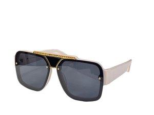 Sunglasses For Men and Women Summer style 4501 Anti-Ultraviolet Retro Plate Square Full frame fashion Eyeglasses Random Box