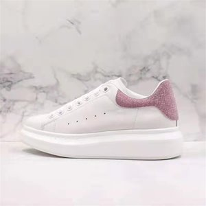 Wholesale 30-color autumn winter top fashion casual shoes Rhyton, the classic appearance is worthy of collection by luxury designers and players