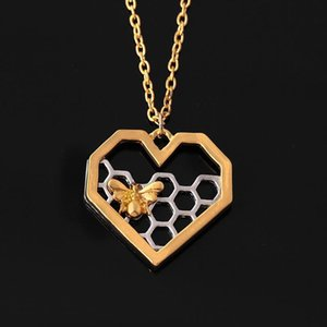 Fashion Love Cute Honey Bee Pendant Necklace Jewelry Creative Insect Peach Heart Sweater Chain Wholesale Gift Necklaces