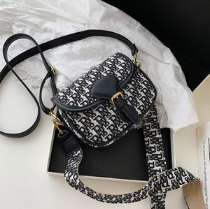 Embroidered Bag Design Fashion French Style High Quality Texture contrast Saddle Handbag women's Casual One Shoulder Crossbody purse Tote