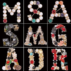 Creative Crystal Rhinestone Letter Brooch Pin Alphabet Brooches Lapel Pins Women Girls Corsage Designer Jewelry Accessary Gifts