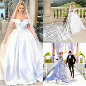 2020 Satin Bridal Gowns With Beaded Veil Off-shoulder Sleeveless A-line Wedding Dress Court Train Custom Made Elegant Cheap Bridal Dresses