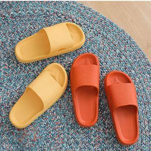 2021 ثانية الرجال النساء الشرائح النعال سميكة منصة الصيف شاطئ إيفا لينة وحيد الشريحة الصنادل الترفيه السيدات داخلي الحمام المضادة للانزلاق الأحذية A11