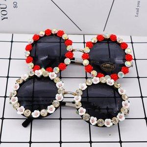 Fashion Round Sunglasses Women Flower Decoration Sun Glasses Rhinestone Diamond Eyeglasses Lunette De Soleil Femme