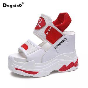 Летний высокий каблук клин сандалии женщин обувь флип флопс открытый носок платформа гладиатор белый повседневная обувь женщина