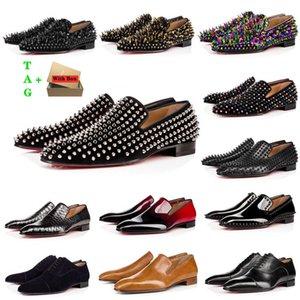 Мужская красная нижняя обувь дизайнер с низкой плоской заклепками вышивка мужчина деловой банкетный платье обуви роскошный патентный замшевый стилист шипы натуральная кожа