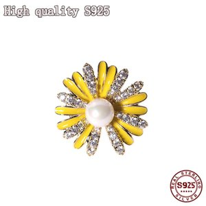Fashion Jewelry Lovely Flower Crystal Pearl Small Neckpin Light Proof Daisy Lady Brooch High Quality Gift