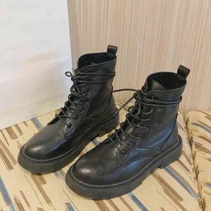 Сапоги Мартин Женщина каблуки дизайнерские туфли для женских платформы каблуки черные пинетки лодыжки женские резиновые подошвы 35 JV2S