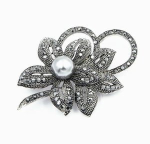 Rhodium Austrian New Plated Clear Vintage Crystals Style Imitation Pearl Big Bow Brooch per donna ACCE