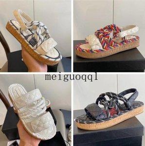 Os mais recentes sandálias de plataforma de plataforma de plataforma Sapatos de desenhista da plataforma, elegante sapato de lona plana de solas, verão Outdoor Causal Corda Ankle Strap Sandal com Box 35-40