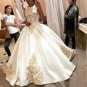 2020 Vintage Gold Appliques Wedding Dress Satin Sleeveless Ball Gown Wedding Gowns Pleats Sweep Train Bridal Dress