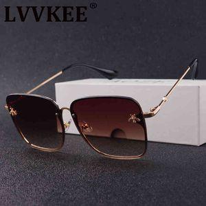 69% скидка Lvvkee Luxury Square Bee Солнцезащитные очки Женщины Ретро Дизайнер Бренд Дизайнер Металлические Рамки Негабаритные Солнцезащитные Очки Женские Гордные оттенки Oculos Hygd