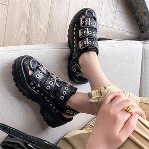 Старинные готические металлические пряжки Punk Rock Rivet гладиаторные сандалии женщины коренастые платформы прохладная уличная обувь 2021 летняя леди