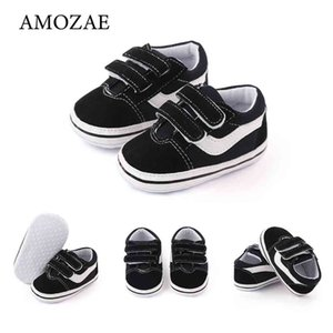 Walking shoes born Baby Boys Shoes Pre Walker Soft Tong carriages Spring Herf Canvas Sneakers trainers casual 210827