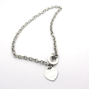 Luxury famous brand jewerly 316L titanium Steel 18K gold plated necklace short chain silver man heart necklace pendant for women couple