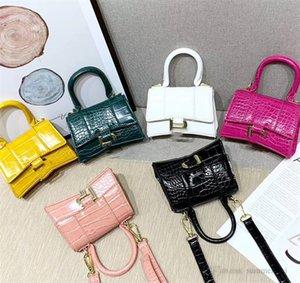 Luxury Girls crocodile grain handbag kids metal letter buckles chain messenger bag designer children one shoulder bags A7092