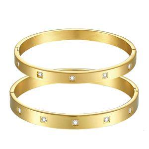 Bracelet bijoux exquis dame dame doré couple doré bracelet en acier titane SZ054