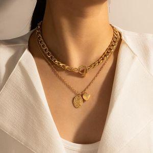 Cadenas tocona colgante colgante de corazón clásico para mujer Charm Geométrico Geométrico Alloy Metal Mulilayer Sweater Cadena Joyería Collar 16333