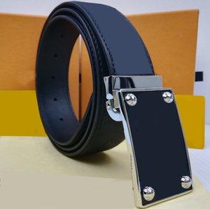 Hommes Luxurys Designers Courroies pour hommes Brands Ceinture de la ceinture de la ceinture Europe Etats-Unis Espagnols En Cuir pour homme Gaigogage avec boîte CZ 20121003DQ